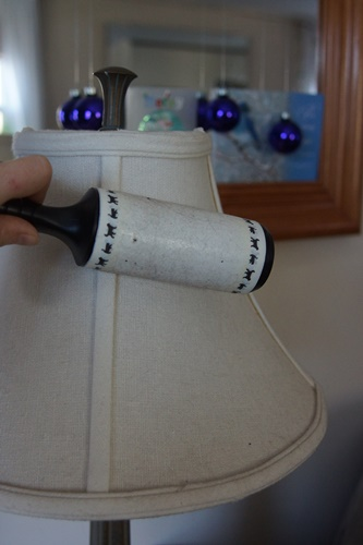 cleaning lamp shade with lint roller