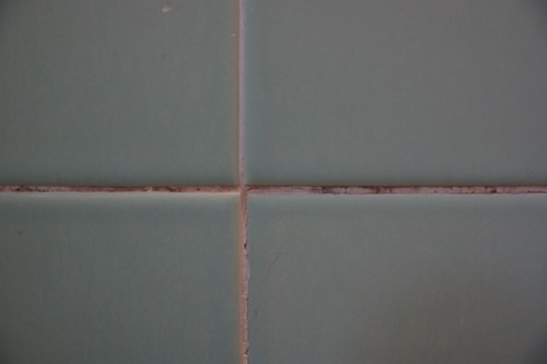 how to clean old dirty bathroom tiles without scrubbing