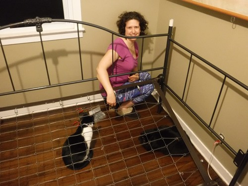 Putting the trundle bed together
